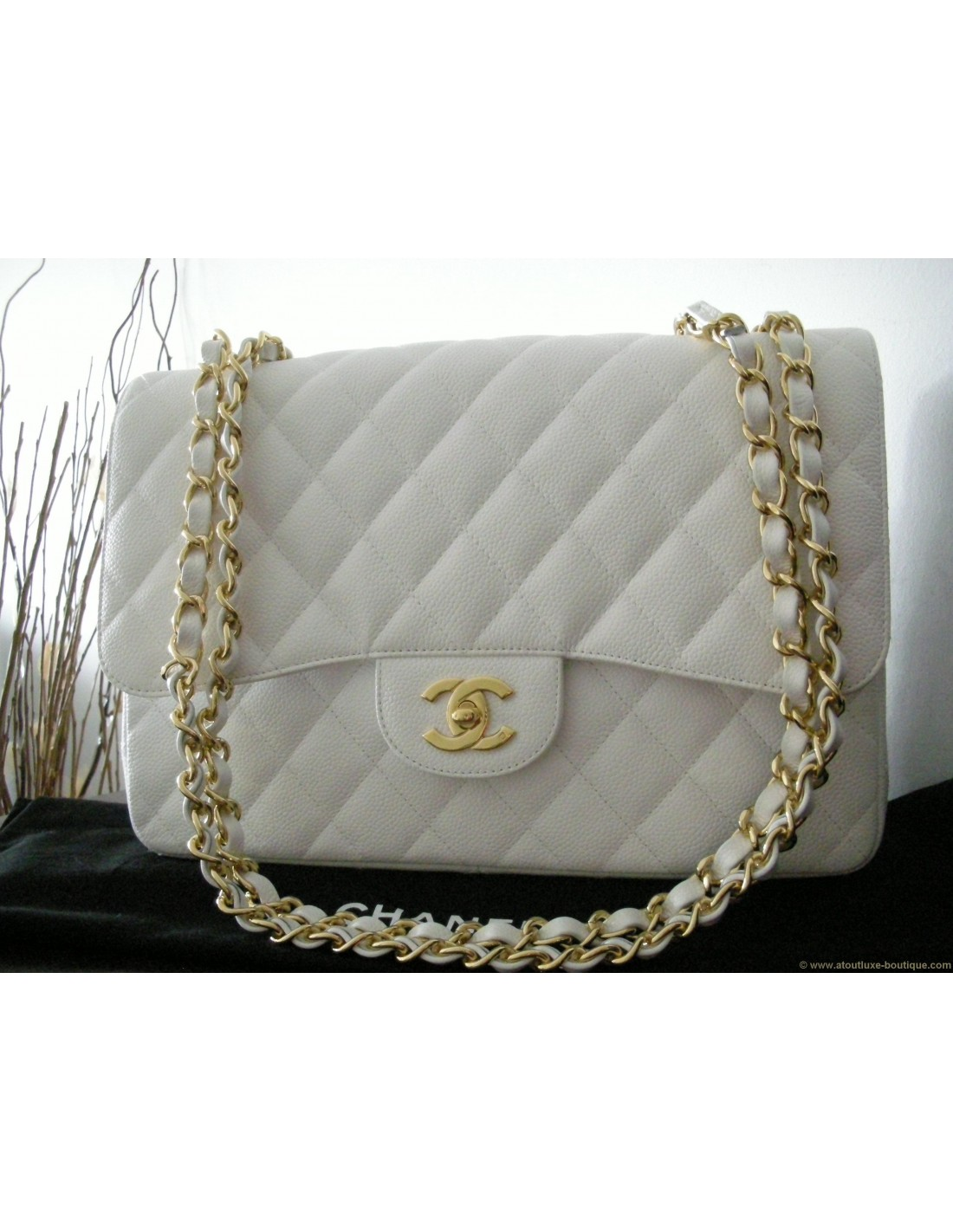 Sac chanel mademoiselle blanc grand modele for Sac chanel interieur