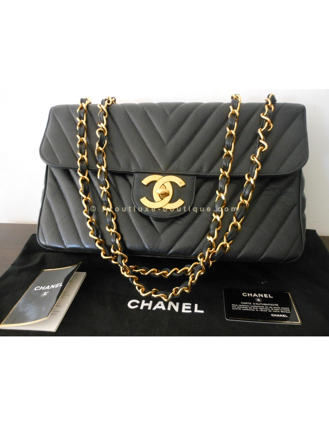 Sac chanel mademoiselle jumbo chevron atoutluxe boutique for Sac chanel interieur