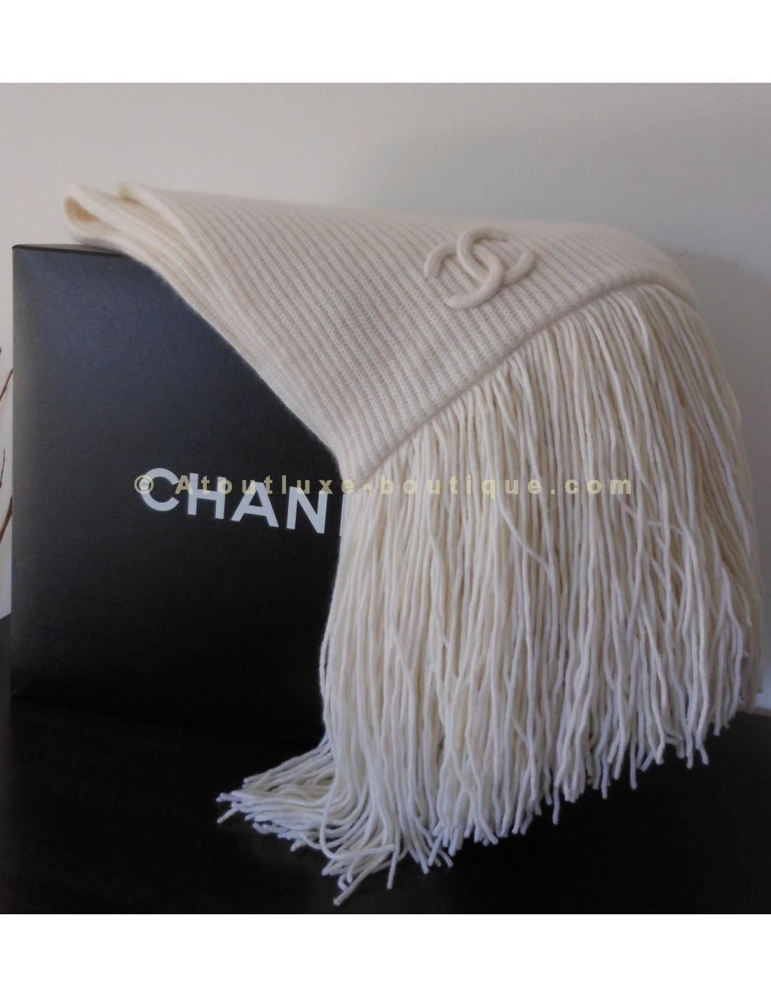 Chanel echarpe - Idée pour s habiller b0b93ca5982